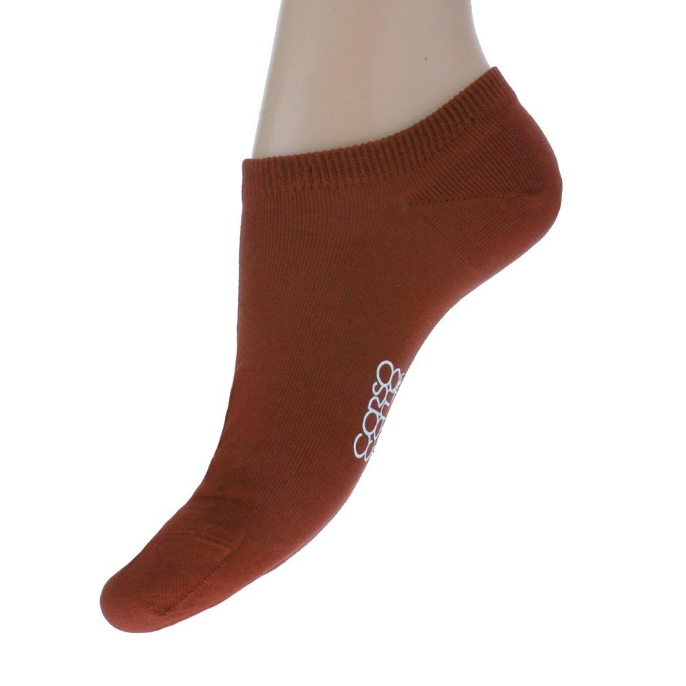 Короткие носки кирпичного цвета