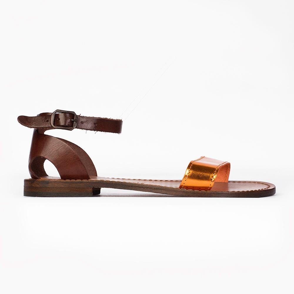 Кожаные сандалии с вставкой из металлизированной кожи рыжего цвета
