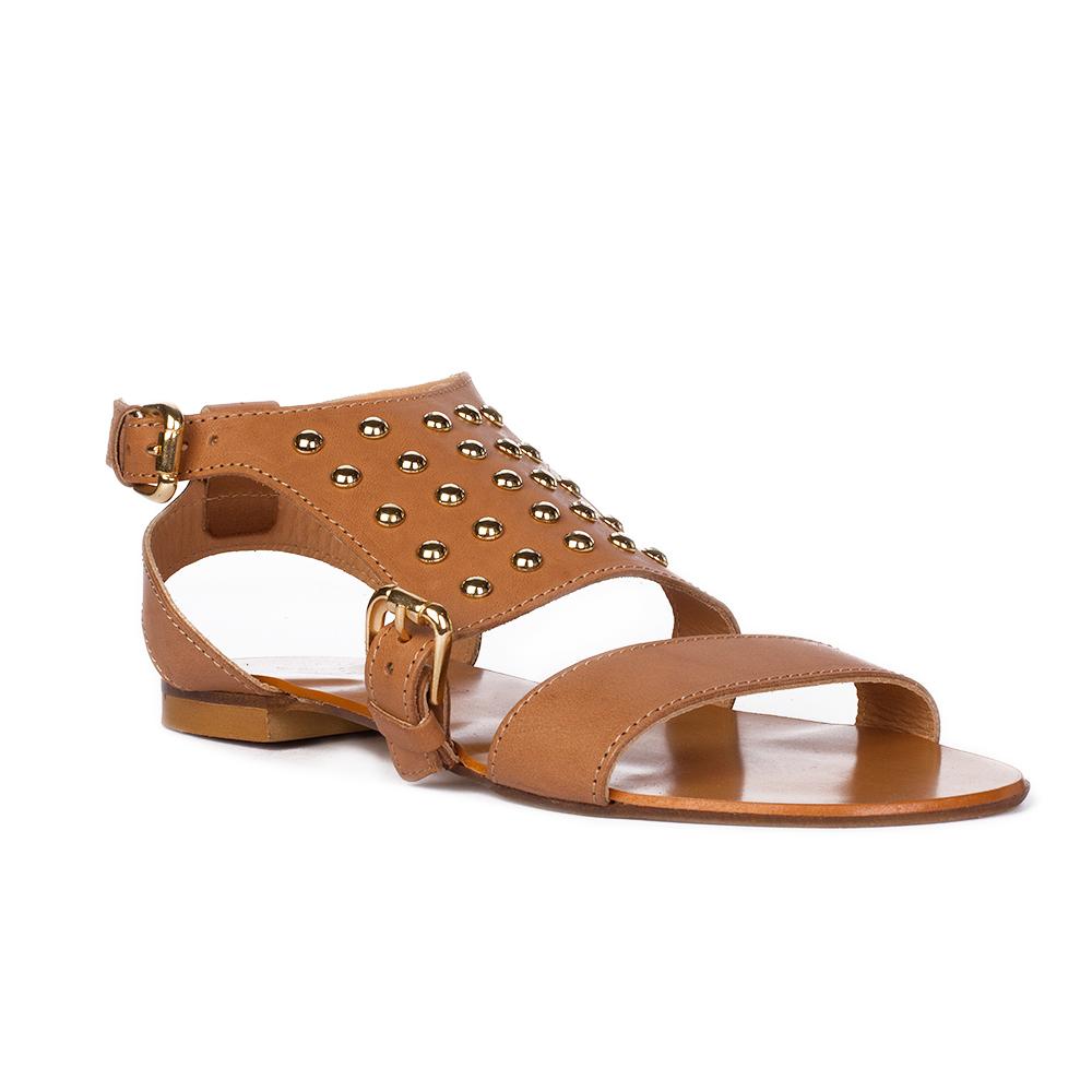 Женские сандалии CorsoComo (Корсо Комо) Кожаные сандалии карамельного цвета с заклепками