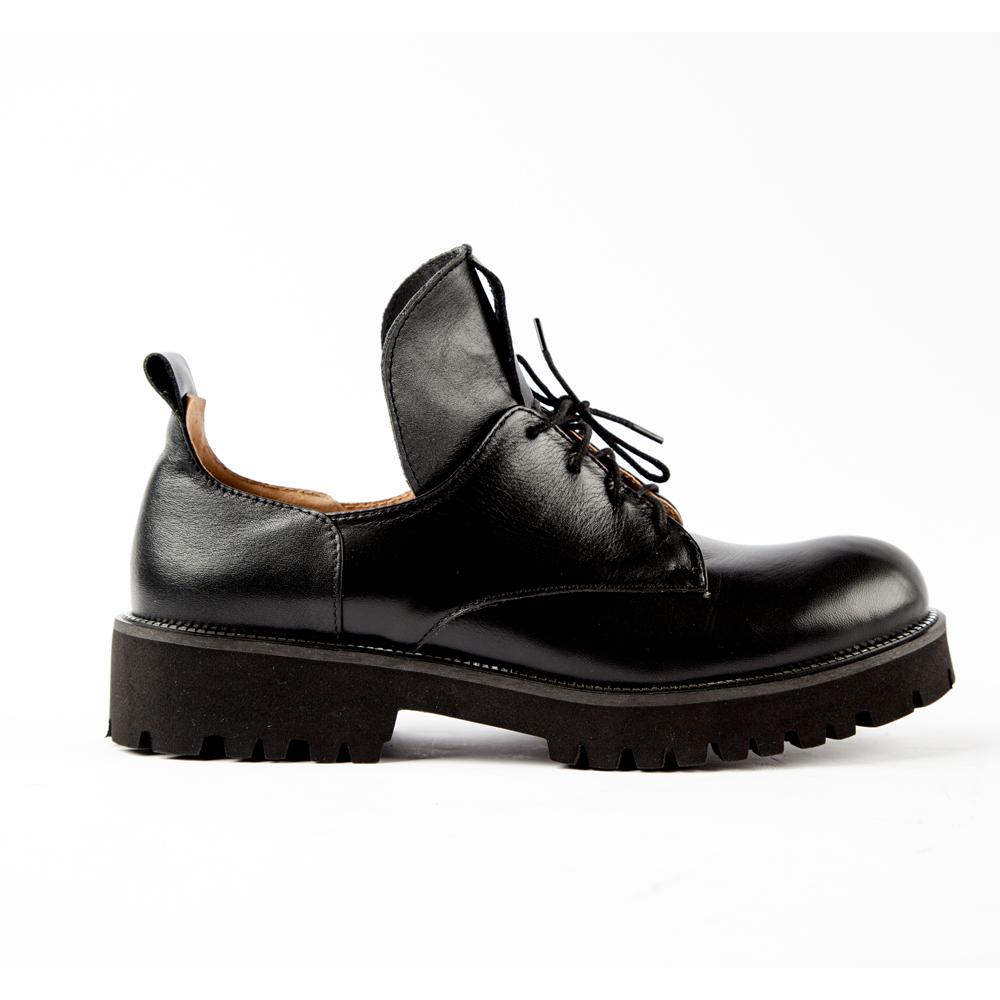 Ботинки из кожи черного цвета на шнуровке, Черный