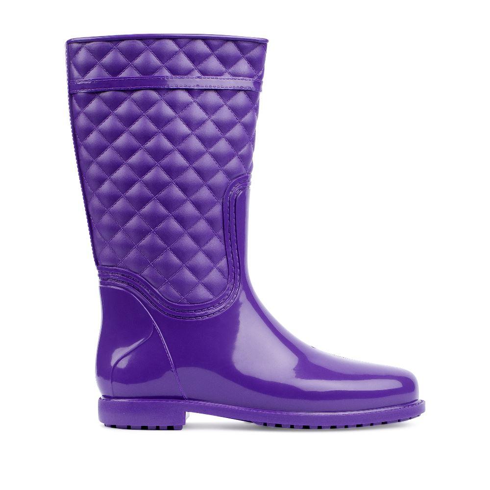Резиновые сапоги фиолетового цветаСапоги женские Москва<br><br>Материал верха: Резина<br>Материал подкладки: Без подкладки<br>Материал подошвы:Резина<br>Цвет: Фиолетовый<br>Высота каблука: 2 см<br>Дизайн: Италия<br>Страна производства: Россия<br><br>Высота каблука: 2 см<br>Материал верха: Резина<br>Материал подошвы: Резина<br>Цвет: Фиолетовый<br>Вес кг: 1.00000000<br>Размер: 40