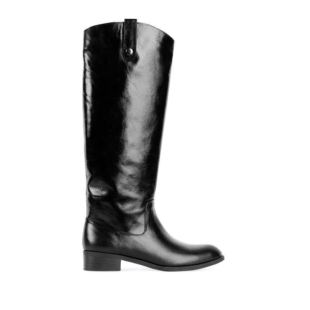 Сапоги из кожи чёрного цвета с мехом на среднем каблуке