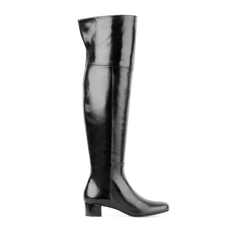 Ботфорты кожаные чёрного цвета на низком каблуке