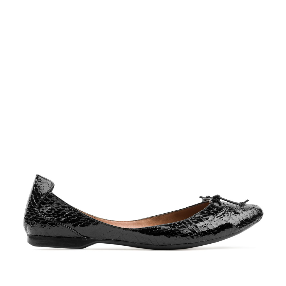 Балетки из кожи змеи черного цвета с декоративным бантом 50-124-111645