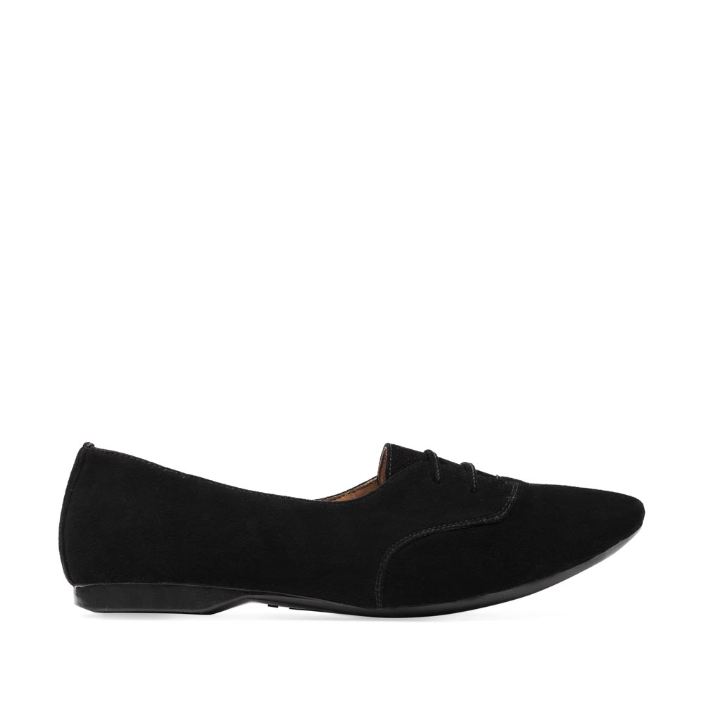 Полуботинки из замши черного цвета на шнуровке