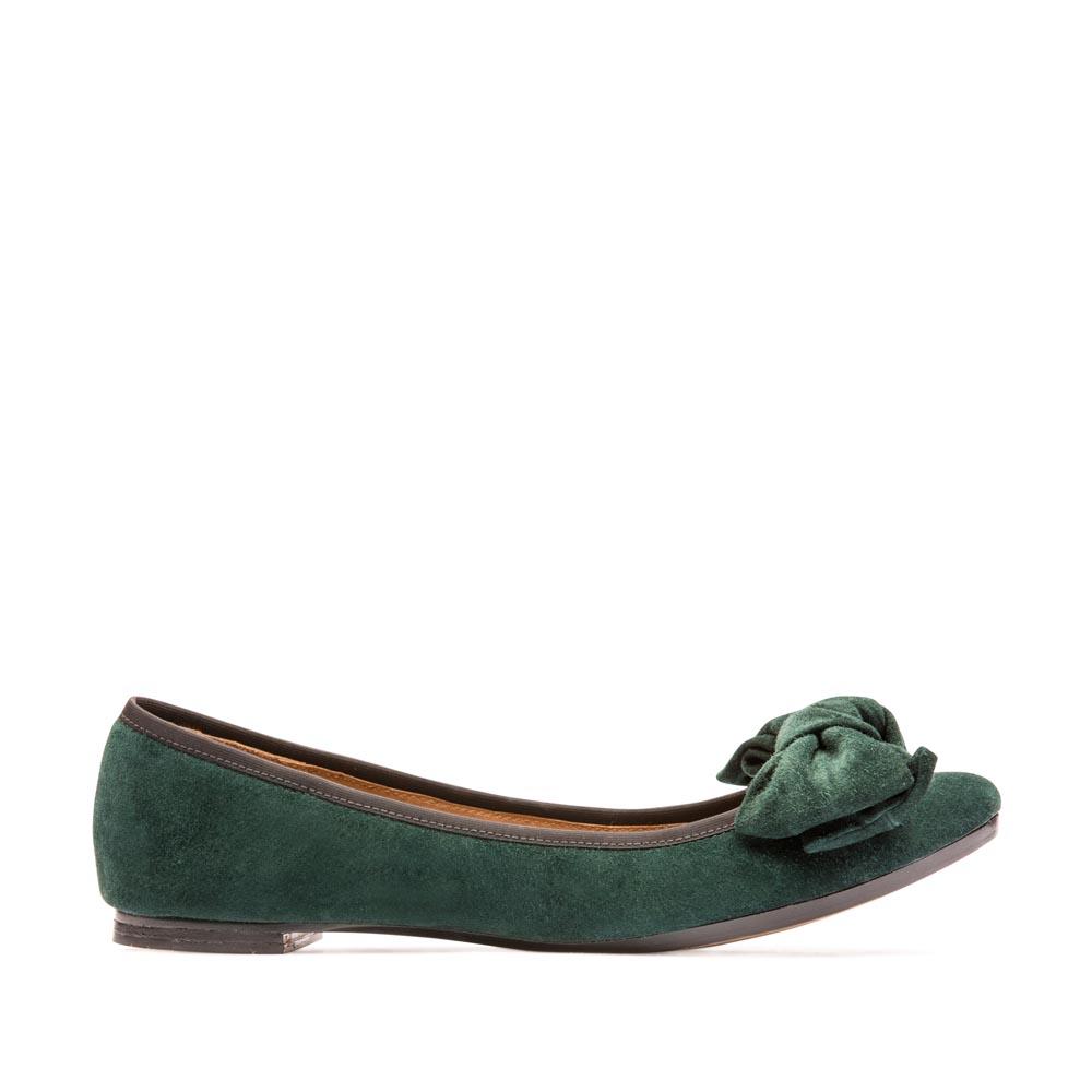 Классические балетки из замши изумрудного цвета с бантомТуфли женские<br><br>Материал верха: Замша<br>Материал подкладки: Кожа<br>Материал подошвы: Кожа<br>Цвет: Зеленый<br>Высота каблука: 1 см<br>Дизайн: Италия<br>Страна производства: Китай<br><br>Высота каблука: 1 см<br>Материал верха: Замша<br>Материал подкладки: Кожа<br>Цвет: Зеленый<br>Пол: Женский<br>Вес кг: 0.58000000<br>Выберите размер обуви: 37**