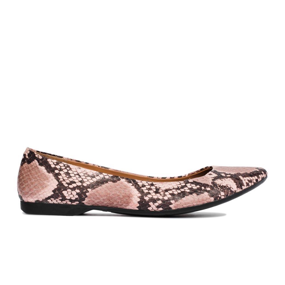 Балетки из кожи со змеиным принтом розового цветаТуфли женские<br><br>Материал верха: Кожа змеи<br>Материал подкладки: Кожа<br>Материал подошвы: Полиуретан<br>Цвет: Розовый<br>Высота каблука: 1 см<br>Дизайн: Италия<br>Страна производства: Китай<br><br>Обратите внимание: модель, представленная в последнем<br>размере, может иметь незначительные изъяны (неглубокие царапины,<br>потертости, легкое выцветание, повреждения упаковки).<br><br>Высота каблука: 1 см<br>Материал верха: Кожа змеи<br>Материал подкладки: Кожа<br>Цвет: Розовый<br>Пол: Женский<br>Вес кг: 1.00000000<br>Выберите размер обуви: 36