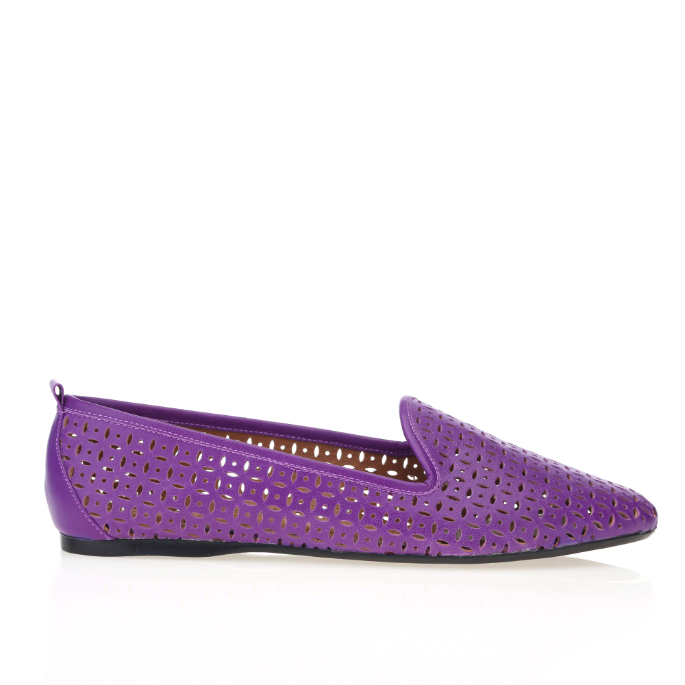 Слиперы из перфорированной кожи фиолетового цвета