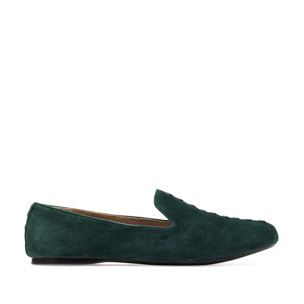 Слиперы из замши изумрудного цвета с заклепкамиТуфли женские<br><br>Материал верха: Замша<br>Материал подкладки: Кожа<br>Материал подошвы: Резина<br>Цвет: Зеленый<br>Высота каблука: 0 см<br>Дизайн: Италия<br>Страна производства: Китай<br><br>Высота каблука: 0 см<br>Материал верха: Замша<br>Материал подкладки: Кожа<br>Цвет: Зеленый<br>Пол: Женский<br>Вес кг: 0.54000000<br>Размер обуви: 39
