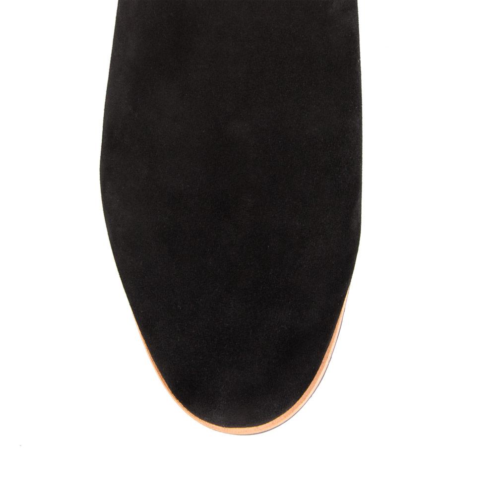 Сапоги на плоской подошве CorsoComo (Корсо Комо) Ботфорты из замши черного цвета на протекторной подошве