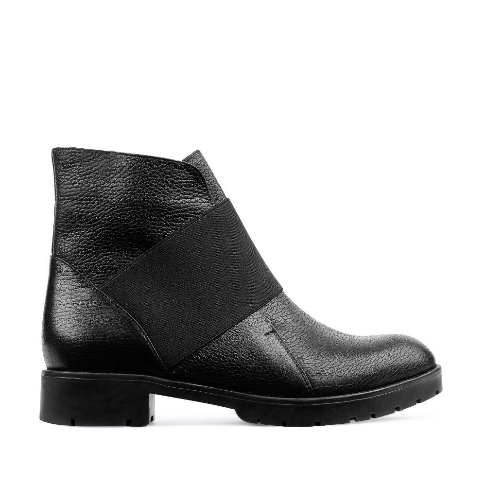 Ботинки из кожи черного цвета с эластичной вставкой