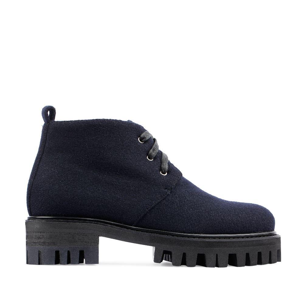 Ботинки из шерсти синего цвета на протекторной подошве