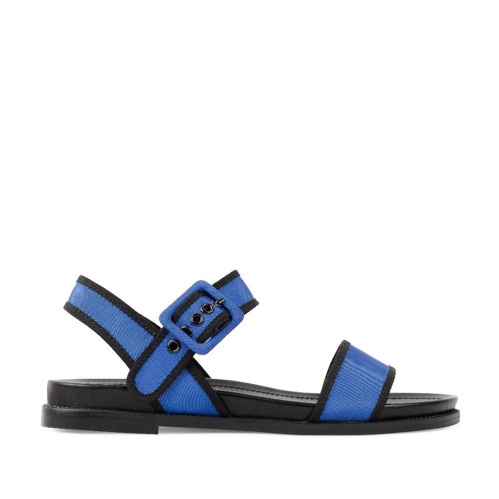 Сандалии цвета электрик из текстиляСандалии<br><br>Материал верха: Текстиль<br>Материал подкладки: Текстиль<br>Материал подошвы: Кожа<br>Цвет: Синий<br>Высота каблука: 1 см<br>Дизайн: Италия<br>Страна производства: Китай<br><br>Высота каблука: 1 см<br>Материал верха: Текстиль<br>Материал подкладки: Текстиль<br>Цвет: Синий<br>Пол: Женский<br>Вес кг: 520.00000000<br>Размер: 38