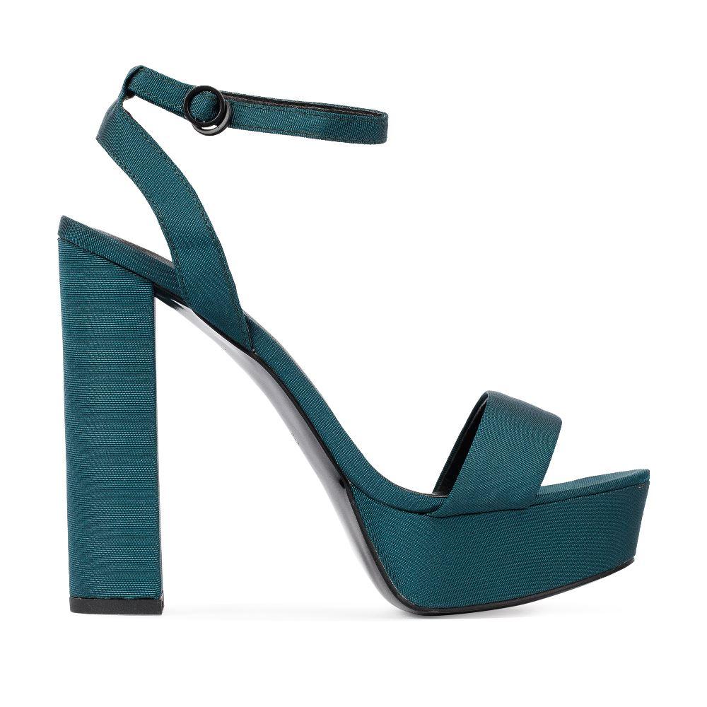 Босоножки из текстиля зеленого цвета на высоком каблукеТуфли ремешковые<br><br>Материал верха: Текстиль<br>Материал подкладки: Текстиль<br>Материал подошвы: Полиуретан<br>Цвет: Зеленый<br>Высота каблука: 13 см<br>Дизайн: Италия<br>Страна производства: Китай<br><br>Высота каблука: 13 см<br>Материал верха: Текстиль<br>Материал подкладки: Текстиль<br>Цвет: Зеленый<br>Пол: Женский<br>Размер: 38