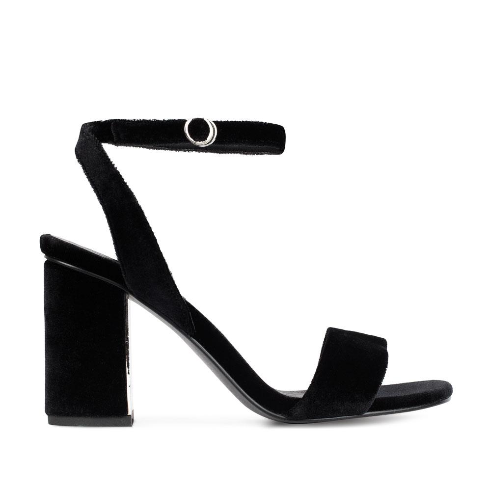 CORSOCOMO Босоножки из бархата черного цвета на среднем каблуке 52-272-S1040-2