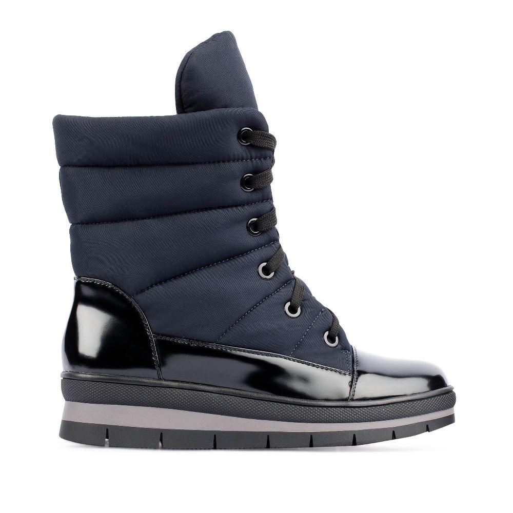 Высокие ботинки на шнуровке синего цвета