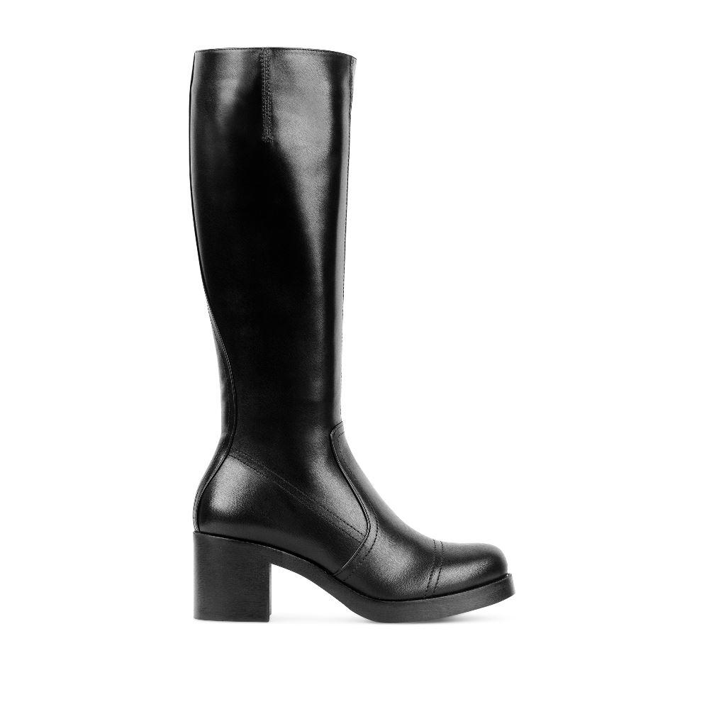 Кожаные сапоги черного цвета на устойчивом каблукеСапоги женские<br><br>Материал верха: Кожа<br>Материал подкладки: Текстиль<br>Материал подошвы: Полиуретан<br>Цвет: Черный<br>Высота каблука: 6 см<br>Дизайн: Италия<br>Страна производства: Китай<br><br>Высота каблука: 6 см<br>Материал верха: Кожа<br>Материал подкладки: Текстиль<br>Цвет: Черный<br>Пол: Женский<br>Размер обуви: 40