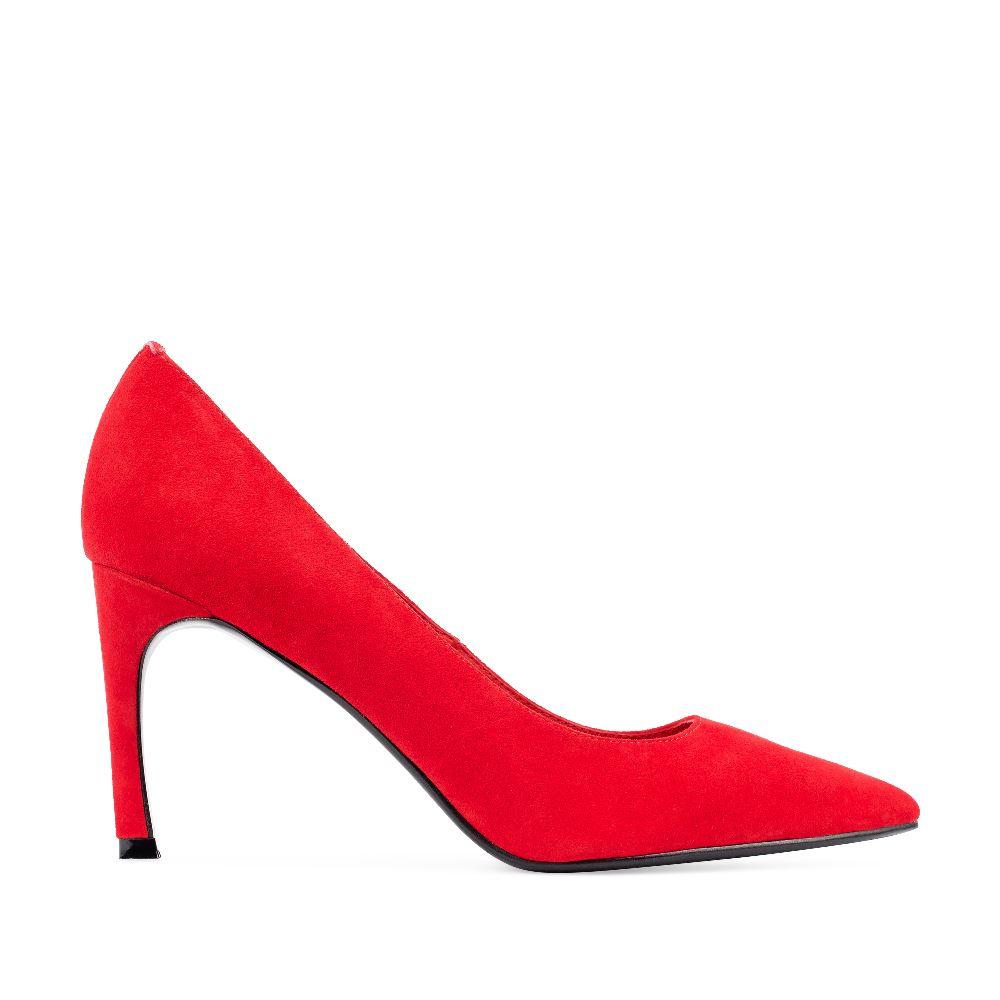 Туфли-лодочки из замши красного цвета