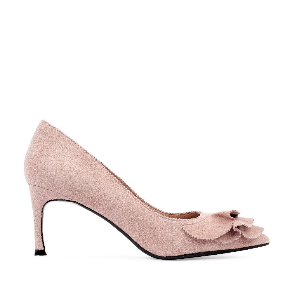 Туфли из замши нежно-розового цвета с оборками