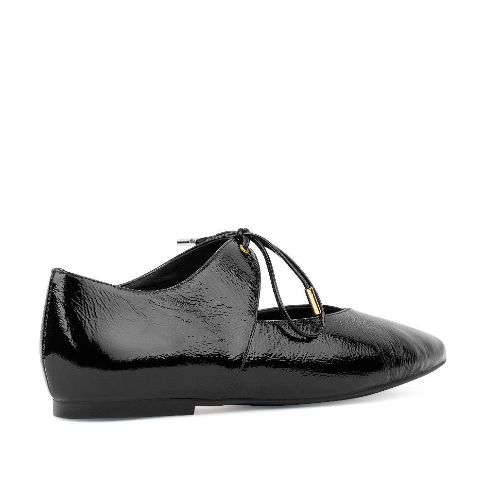 Женские балетки CorsoComo (Корсо Комо) Балетки из лакированной кожи черного цвета на завязках
