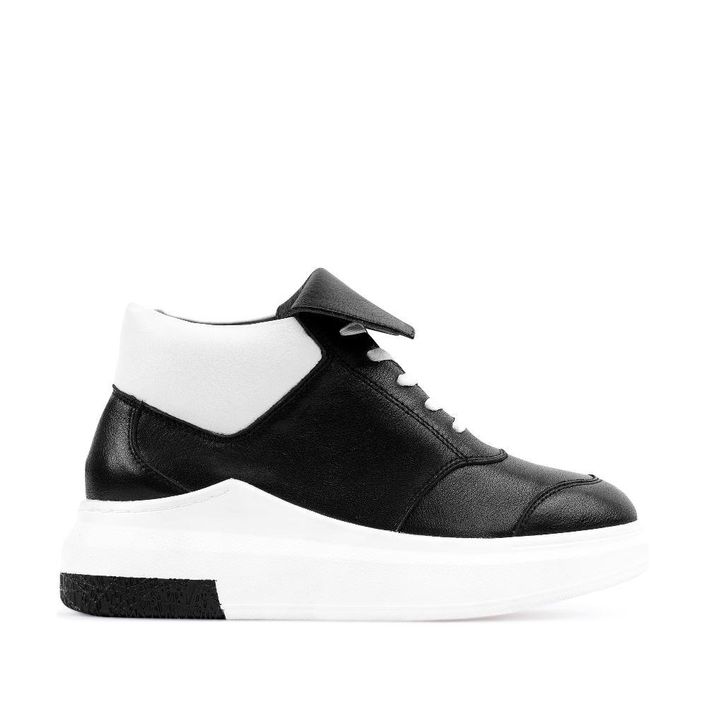 Кроссовки из кожи черного и белого цветов