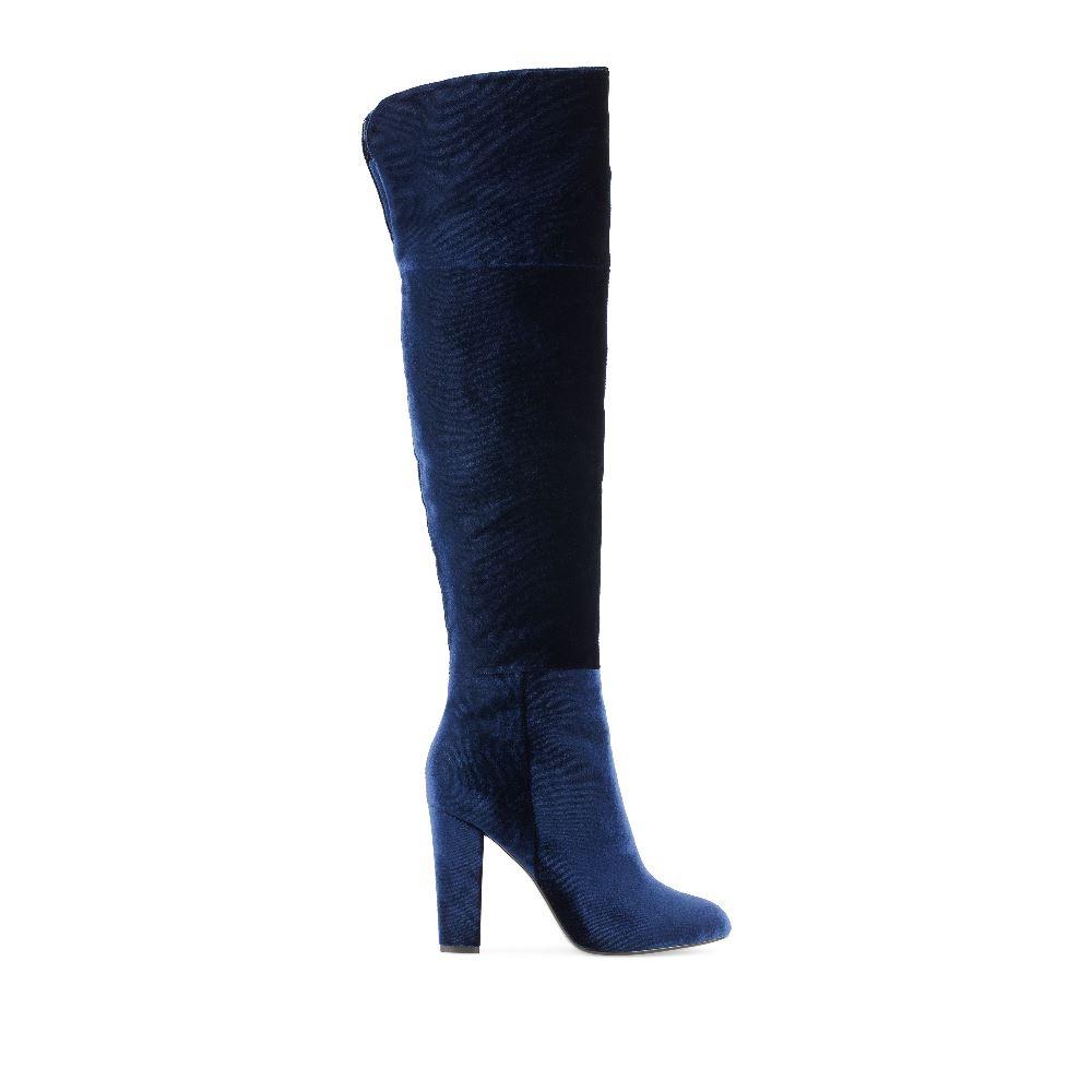 Ботфорты из бархата синего цвета на высоком каблукеБотфорты<br>(модель маломерит)<br><br><br>Материал верха: Текстиль<br>Материал подкладки: Текстиль<br>Материал подошвы: Кожа<br>Цвет: Синий<br>Высота каблука: 9 см<br>Дизайн: Италия<br>Страна производства: Китай<br><br>Высота каблука: 9 см<br>Материал верха: Текстиль<br>Материал подкладки: Текстиль<br>Цвет: Синий<br>Пол: Женский<br>Выберите размер обуви: 38