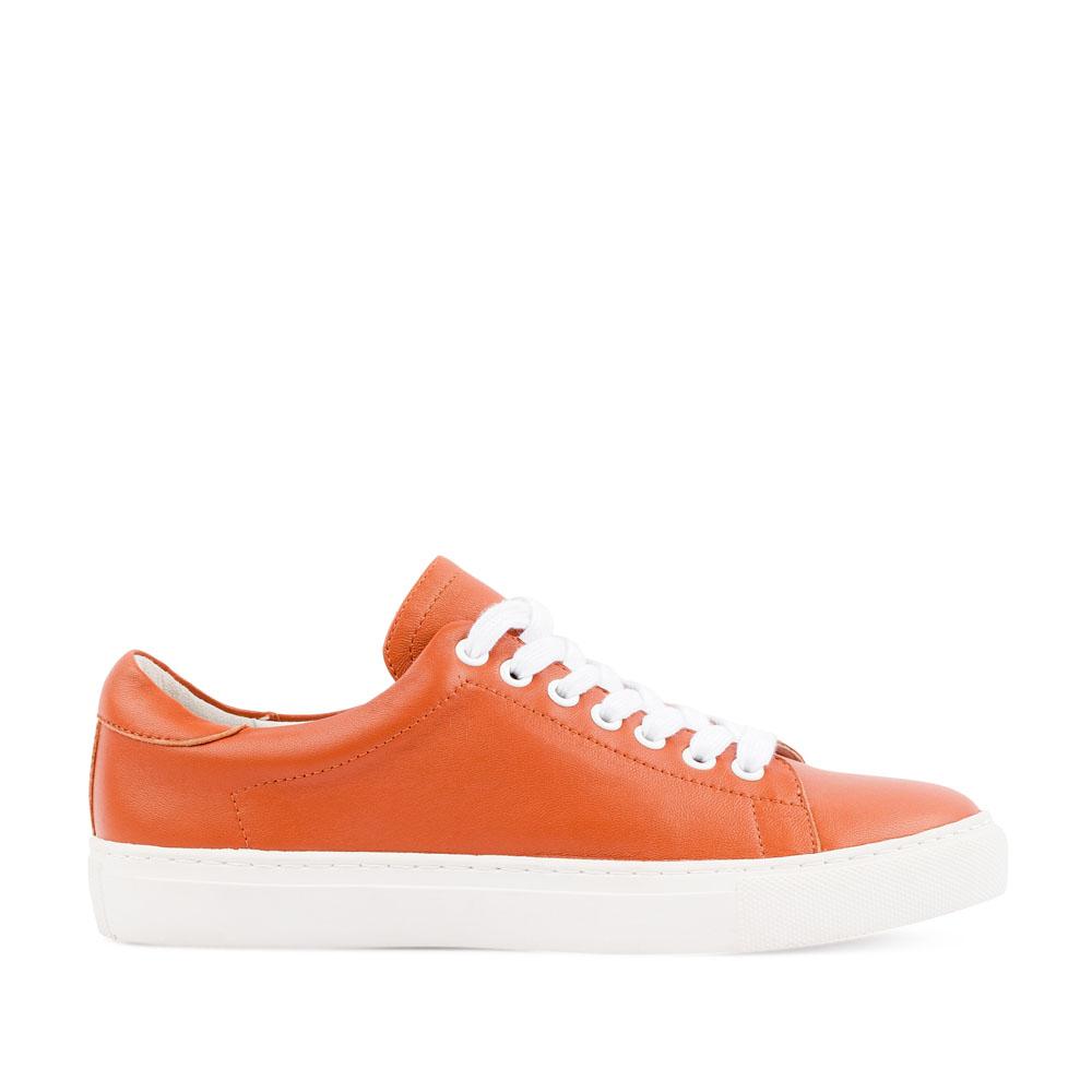 Кеды из кожи оранжевого цвета