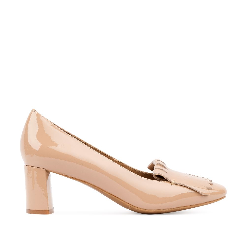 Туфли кремового цвета из лакированной кожи