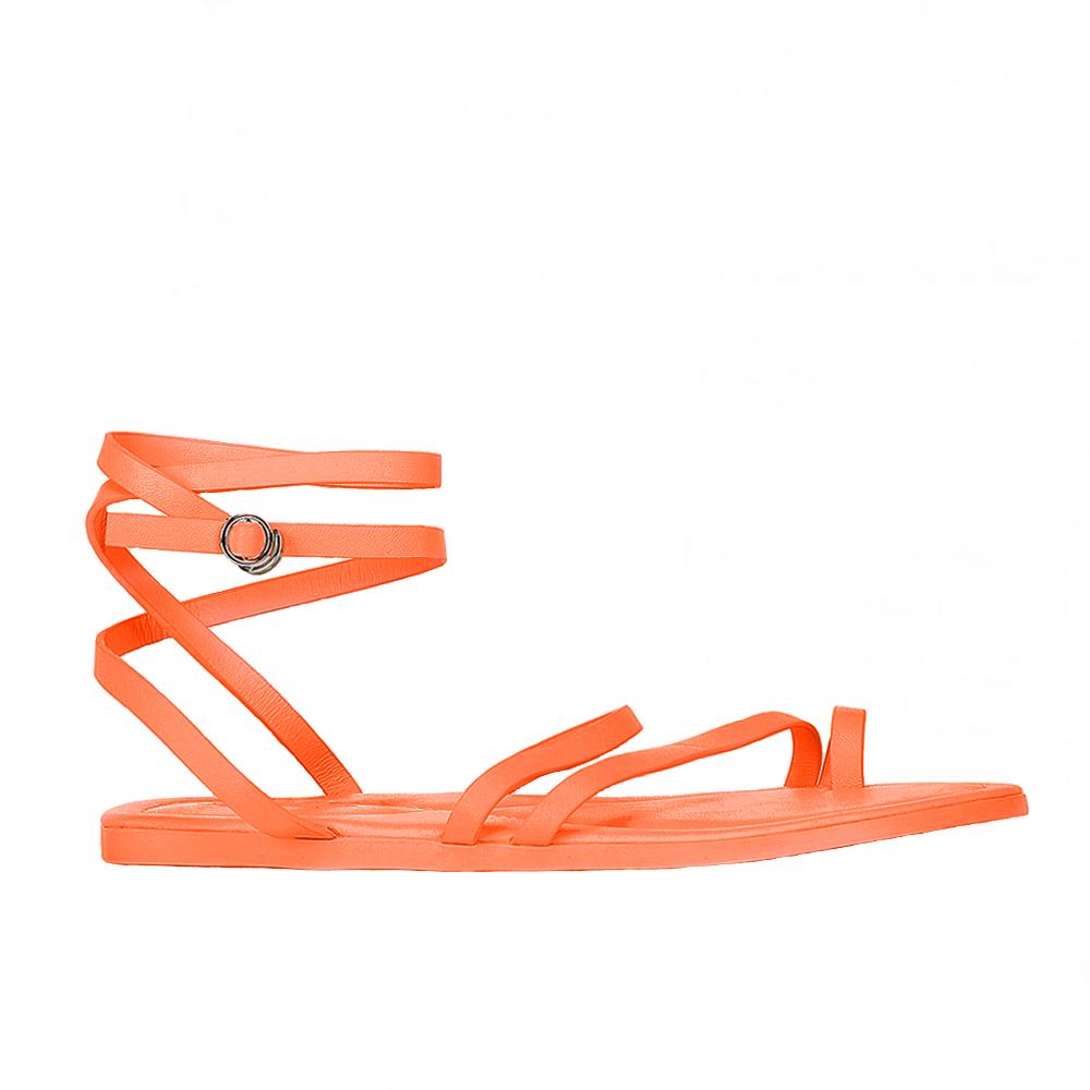 Сандалии из кожи оранжевого цвета на завязкахСандалии женские<br><br>Материал верха: Кожа<br>Материал подкладки: Кожа<br>Материал подошвы: Резина<br>Цвет: Оранжевый<br>Высота каблука: 0 см<br>Дизайн: Италия<br>Страна производства: Китай<br><br>Высота каблука: 0 см<br>Материал верха: Кожа<br>Материал подошвы: Резина<br>Материал подкладки: Кожа<br>Цвет: Оранжевый<br>Вес кг: 1.00000000<br>Размер: 40