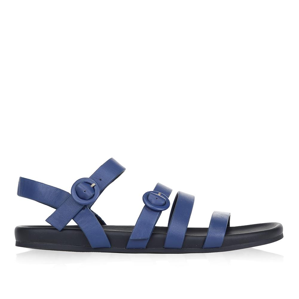 Сандалии из кожи синего цвета с ремешкамиСандалии женские<br><br>Материал верха: Кожа<br>Материал подкладки: Кожа<br>Материал подошвы: Резина<br>Цвет: Синий<br>Высота каблука: 0 см<br>Дизайн: Италия<br>Страна производства: Китай<br><br>Высота каблука: 0 см<br>Материал верха: Кожа<br>Материал подошвы: Резина<br>Материал подкладки: Кожа<br>Цвет: Синий<br>Вес кг: 1.00000000<br>Размер: 35