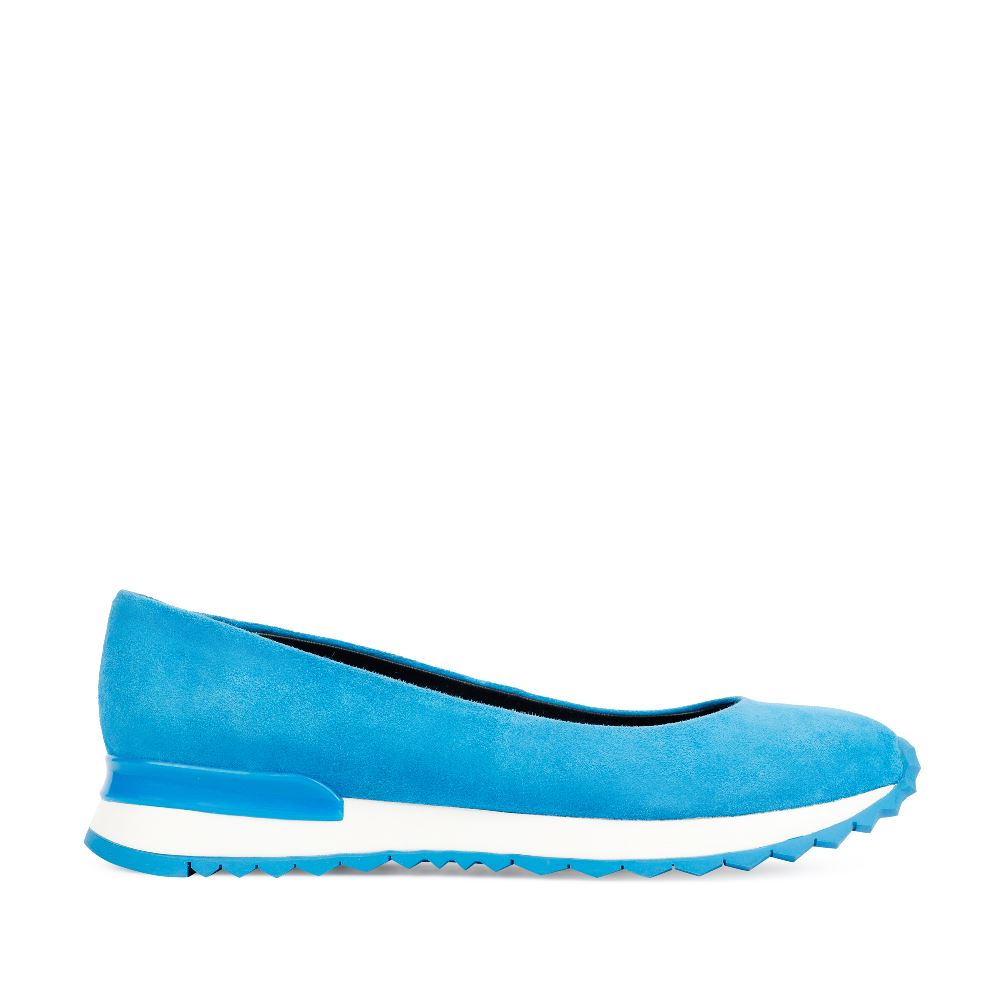 Балетки голубого цвета из замшиТуфли женские<br><br>Материал верха: Замша<br>Материал подкладки: Кожа<br>Материал подошвы:Полиуретан<br>Цвет: Синий<br>Высота каблука: 0см<br>Дизайн: Италия<br>Страна производства: Китай<br><br>Высота каблука: 0 см<br>Материал верха: Замша<br>Материал подошвы: Полиуретан<br>Материал подкладки: Кожа<br>Цвет: Синий<br>Вес кг: 1.00000000<br>Размер: 36*