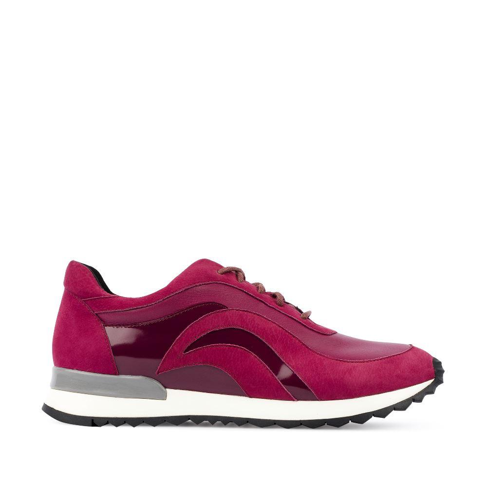 Кроссовки из кожи цвета амарантКроссовки насыщенного оттенка амарант станут ярким элементом<br>темного осеннего гардероба. Они отлично сочетаются с черным,<br>шоколадным и графитовым цветами. Заказать их Вы можете в<br>интернет-магазине брендовой обуви CORSOCOMO.<br><br><br>Материал верха: Кожа<br>Материал подкладки: Кожа<br>Материал подошвы: Полиуретан<br>Цвет: Бордовый<br>Высота каблука: 0 см<br>Дизайн: Италия<br>Страна производства: Китай<br><br>Высота каблука: 0 см<br>Материал верха: Кожа<br>Материал подкладки: Кожа<br>Цвет: Бордовый<br>Пол: Женский<br>Вес кг: 660.00000000<br>Размер обуви: 36