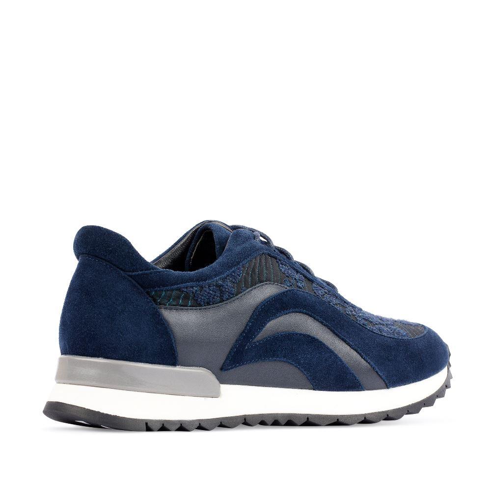 Женские кроссовки CorsoComo (Корсо Комо) Кроссовки из кожи и замши синего цвета с вышивкой