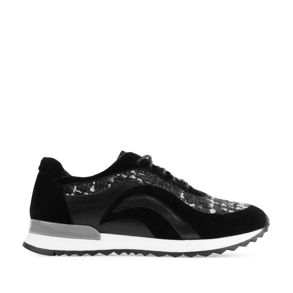 Кроссовки из замши и букле черного цветаКроссовки, выполненные из мягкой замши и букле - классика<br>бренда итальянской обуви CORSOCOMO. Они отлично подходят<br>как для делового дресс-кода,так и для встреч с друзьями.<br><br><br>Материал верха: Замша<br>Материал подкладки: Кожа<br>Материал подошвы: Полиуретан<br>Цвет: Черный<br>Высота каблука: 0 см<br>Дизайн: Италия<br>Страна производства: Китай<br><br>Высота каблука: 0 см<br>Материал верха: Замша<br>Материал подкладки: Кожа<br>Цвет: Черный<br>Пол: Женский<br>Размер обуви: 35*