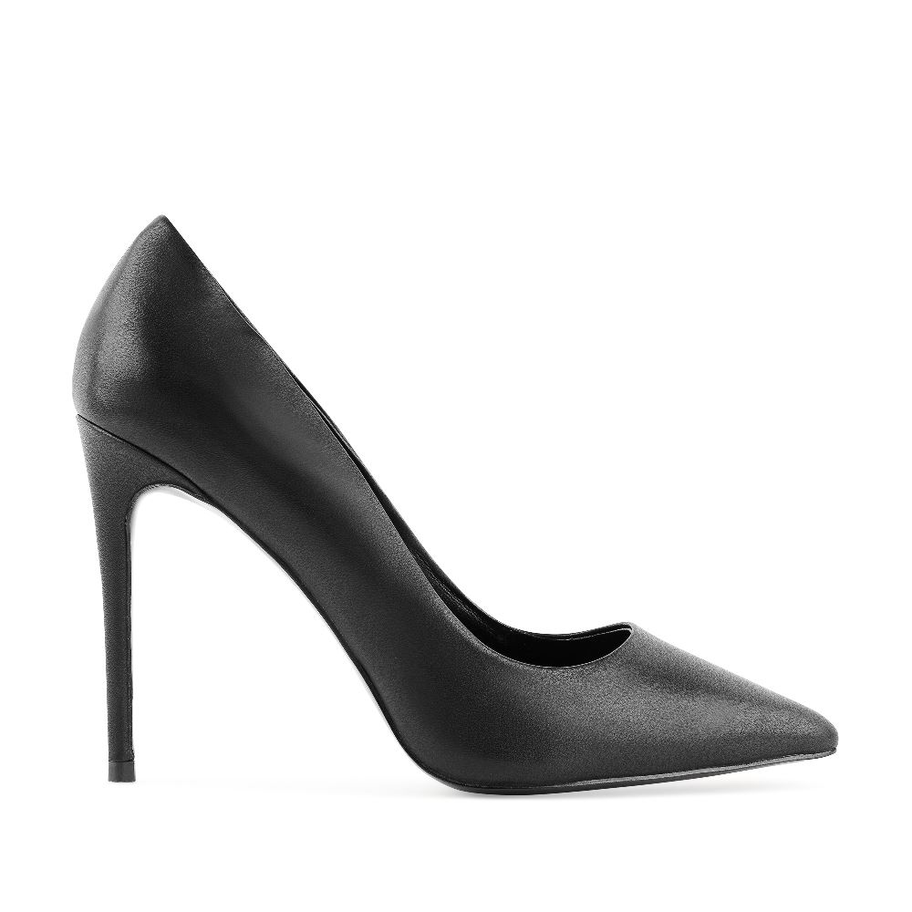 Туфли-лодочки из кожи черного цвета на высоком каблуке
