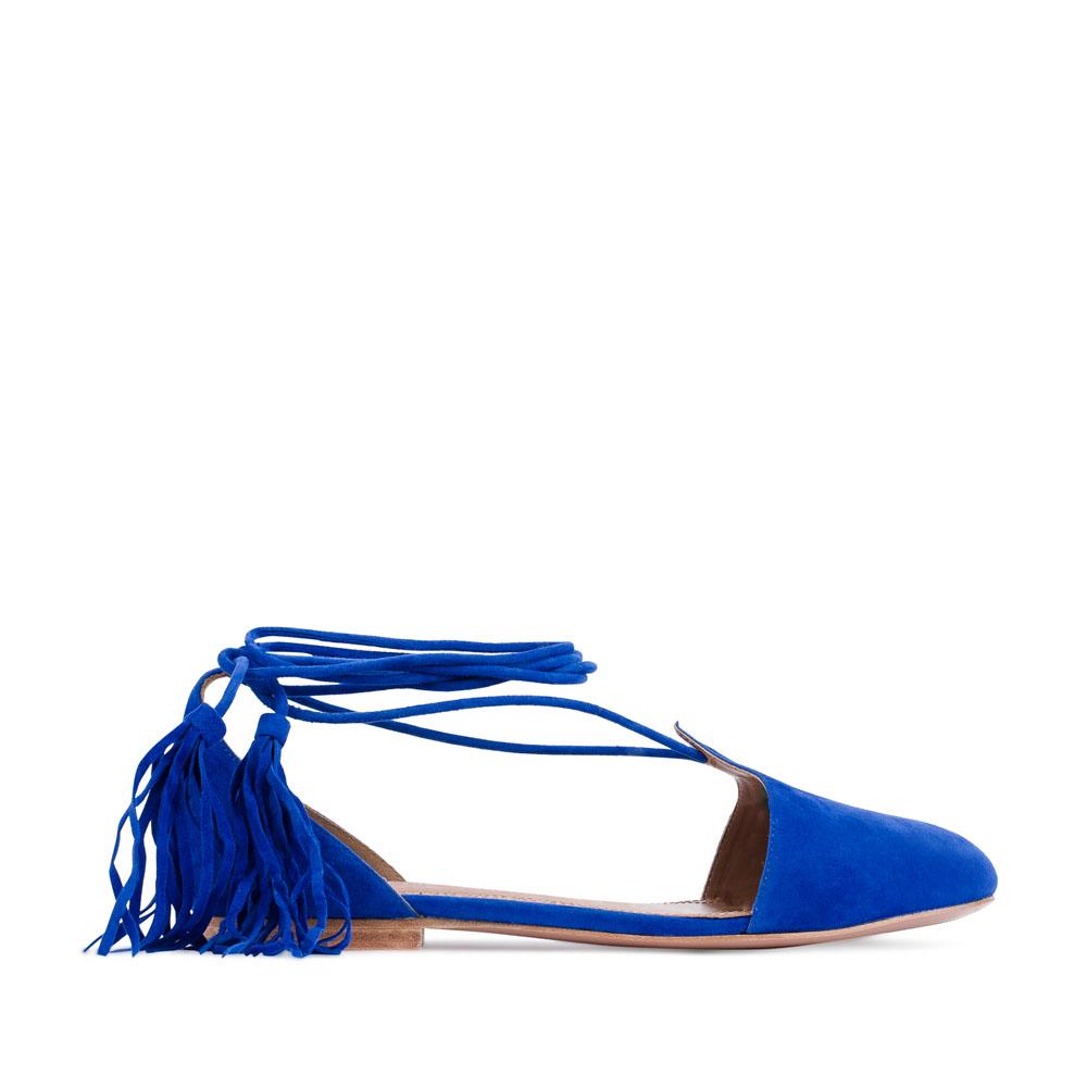 Замшевые балетки на длинных завязках с кисточкамиТуфли женские<br><br>Материал верха: Замша<br>Материал подкладки: Кожа<br>Материал подошвы: Кожа<br>Цвет: Синий<br>Высота каблука: 1 см<br>Дизайн: Италия<br>Страна производства: Китай<br><br>Высота каблука: 1 см<br>Материал верха: Замша<br>Материал подкладки: Кожа<br>Цвет: Синий<br>Пол: Женский<br>Вес кг: 1.00000000<br>Выберите размер обуви: 39