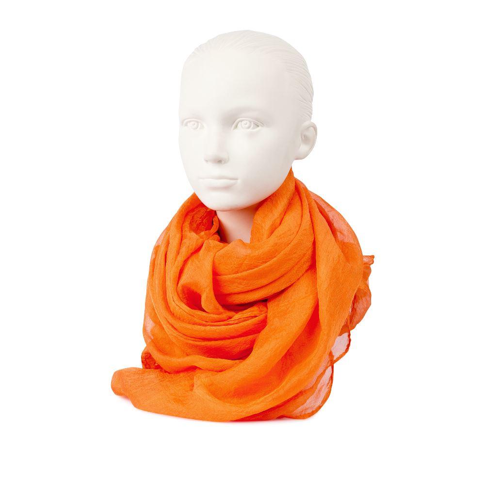 Шарф из шелка апельсинового цветаШарф <br><br><br>Материал верха: 100% Шелк<br><br>Цвет: Оранжевый<br><br>Дизайн: Италия<br><br>Страна производства: Китай<br><br>Материал верха: Текстиль<br>Цвет: Оранжевый<br>Вес кг: 1.00000000<br>Размер: Без размера