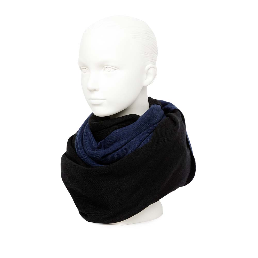Двусторонний шарф черного и темно-синего цвета