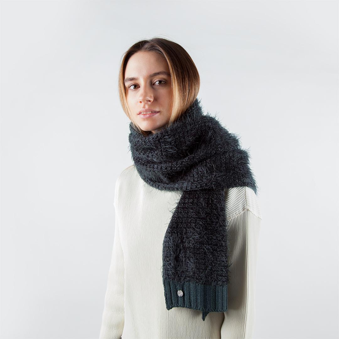Шарф CorsoComo (Корсо Комо) Шерстяной шарф серо-зелёного цвета