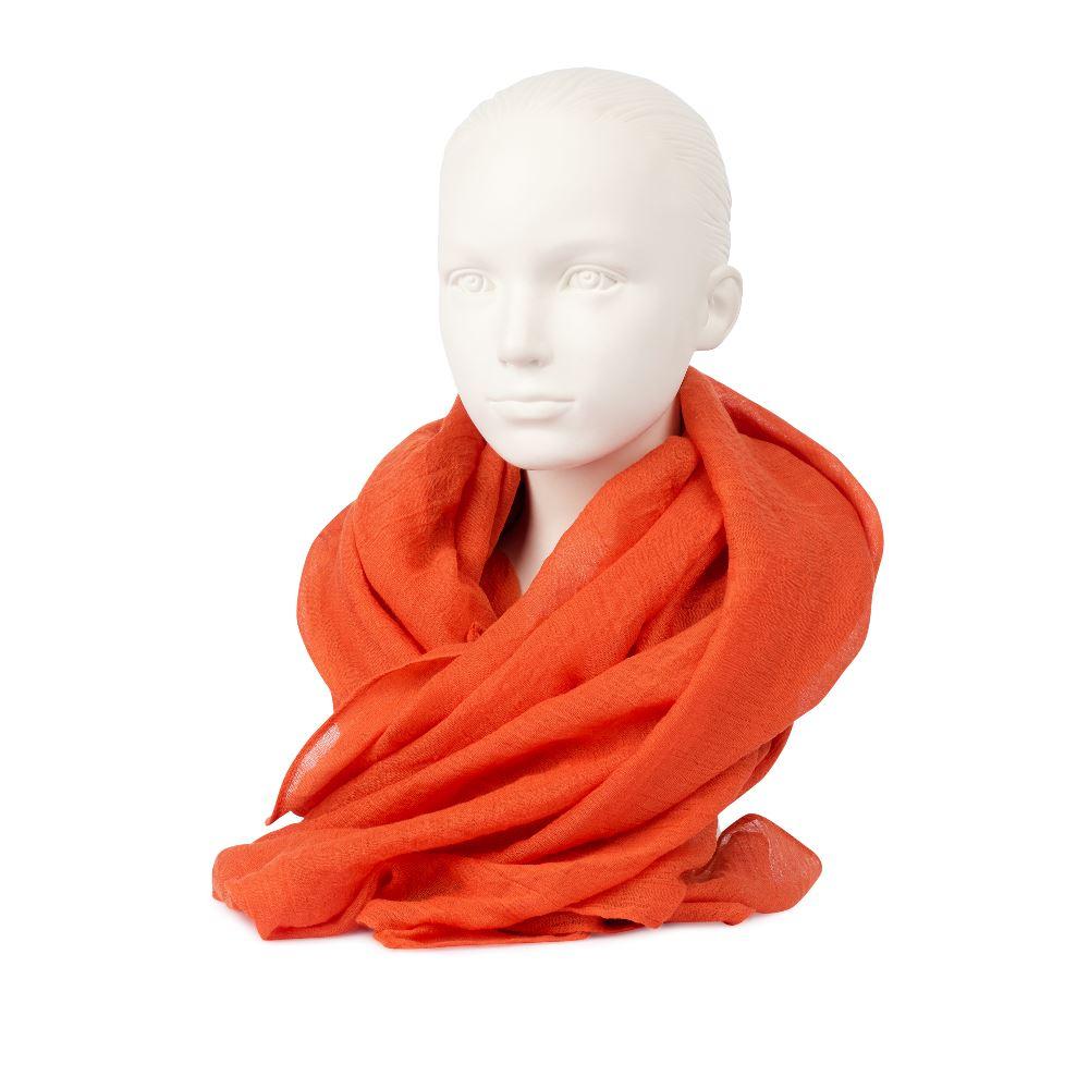 Шарф оранжевого цвета