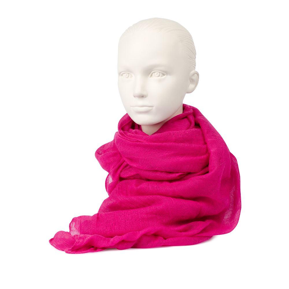 Шарф розового цвета