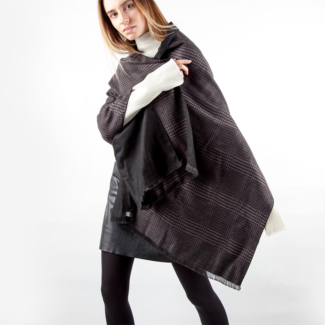 CORSOCOMO Двусторонний шарф черного цвета с принтом гленчек 77-909-1
