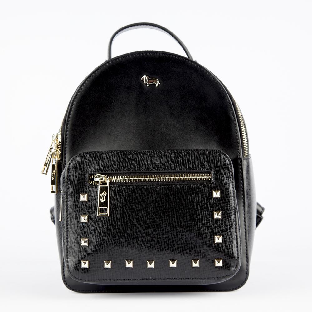 Рюкзак из кожи черного цвета с заклепкамиРюкзак<br><br>Материал верха: Кожа<br>Материал подкладки: Кожа<br>Цвет: Черный<br>Размер: 19х11х25<br>Дизайн: Италия<br>Страна производства: Китай<br><br>Материал верха: Кожа<br>Материал подкладки: Кожа<br>Цвет: Черный<br>Пол: Женский<br>Размер: Без размера