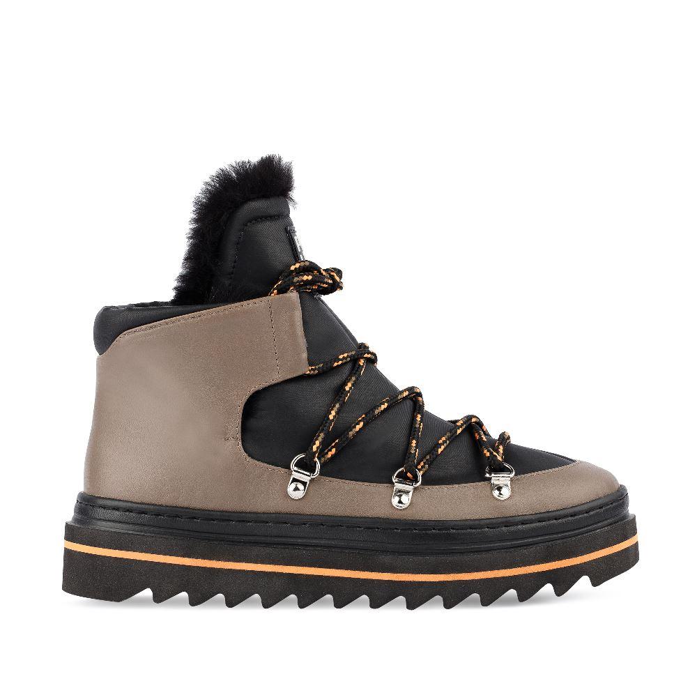 Ботинки из кожи чёрного и кофейного цвета с мехом
